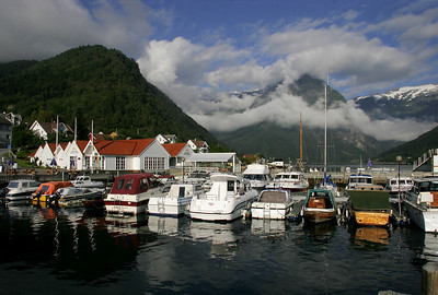 Our 2nd and last morning in Balestrand was quite beautiful.