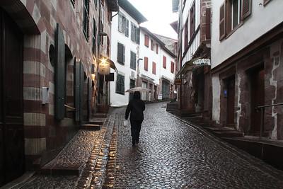 Proceeding up Rue d'Espagne in St. Jean-Pied-de-Port.