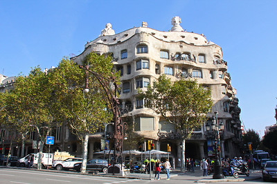 First we visited Casa Milà, an icon of the Modernisme movement.