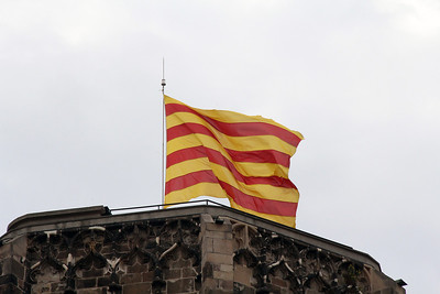 The Santa Maria del Pi church next to our hotel flew the Catalunyan flag on top.
