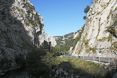The drive to Potes from the coast is up one of the many narrow canyons that wind into the interior.