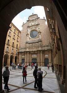 The main church, or basilica, and its courtyard, encountered as we proceed to visit La Moreneta.  (4 photos stacked vertically)