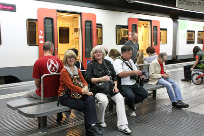 With our Danish friends Stig and Hanne Findeholm, waiting for the train in Barcelona which will take us on an hour trip to the Monastery of Montserrat.