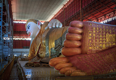 Reclining Buddha at the Chaukhtatgyi Pagoda