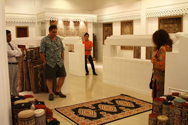 Learning all about different quality of handmade silk rugs