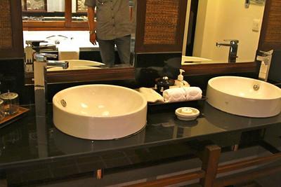 The beautiful bathroom in Eks room in Chiang Mai