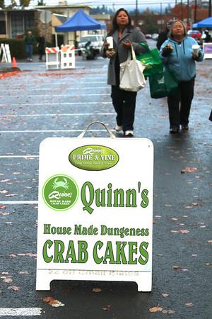 //quinnscrabcakes.com