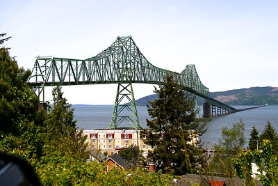 The bridge connecting Oregon and Washington from Astoria OR