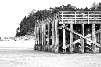THE PIER AT MO'S CHOWDER ACROSS THE STREET FROM OUR HOTEL  Oregon Coast August 2012