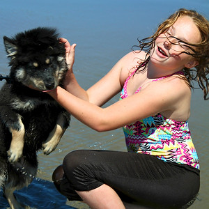 August 2012 - A trip to the coast with Onni and Lil and Onni's first time seeing the ocean