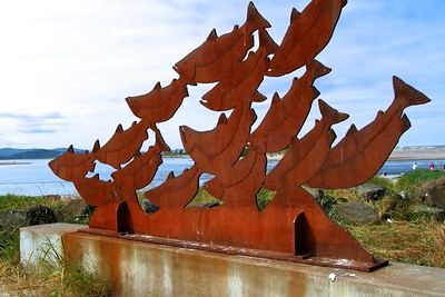 BEAUTIFULLY RUSTED SALMON SCULPTURE BY THE MOTEL  Oregon Coast August 2012