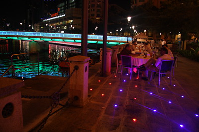 along Clark Quay.... the restraunt and clubbing district