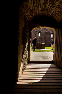 Doune Castle's small and controllable entry
