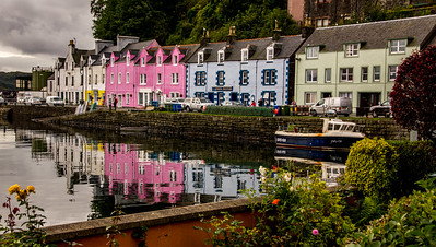 "These ""painted ladies"" added extra dimension to the appearance of the Portree harbor."