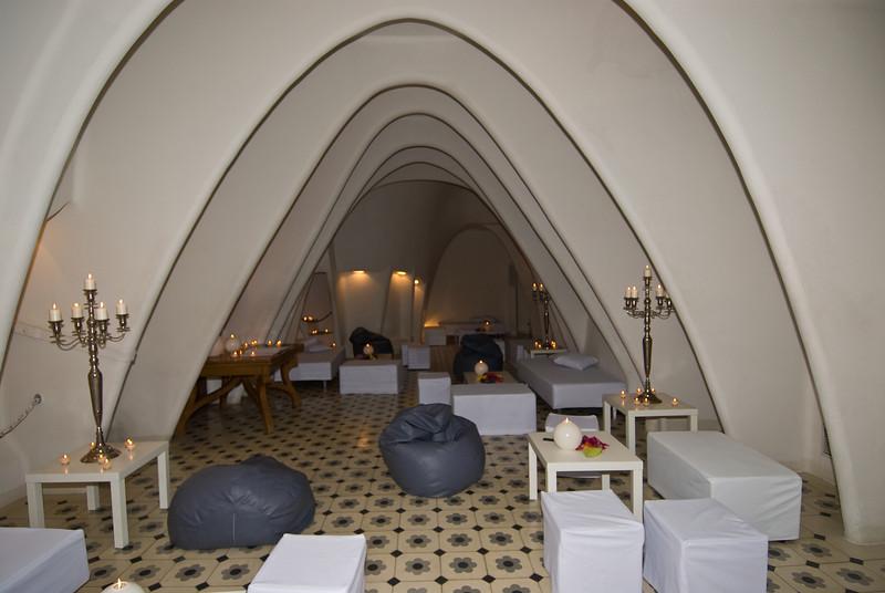 Casa Batlló attic. (Dec 11, 2007, 08:05pm)