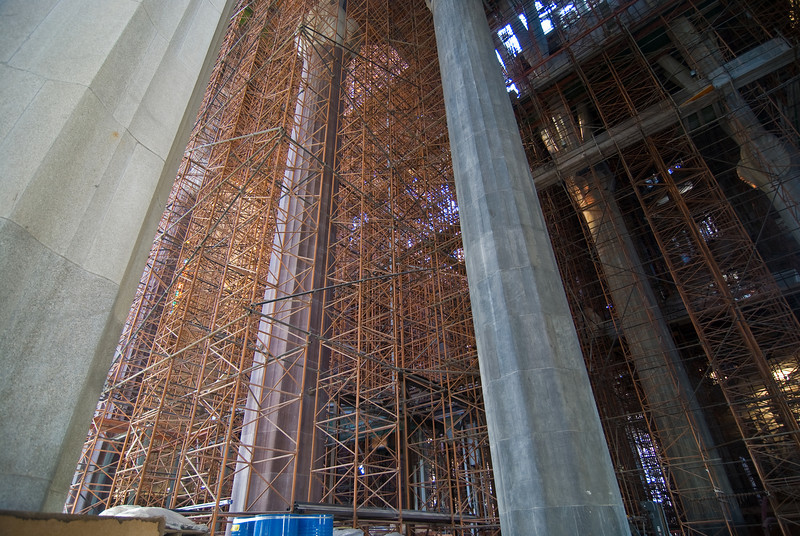 Scaffolding inside the Sagrada Família. (Dec 12, 2007, 03:07pm)