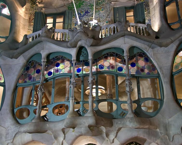 Front window of Casa Batlló. (Dec 11, 2007, 07:18pm)
