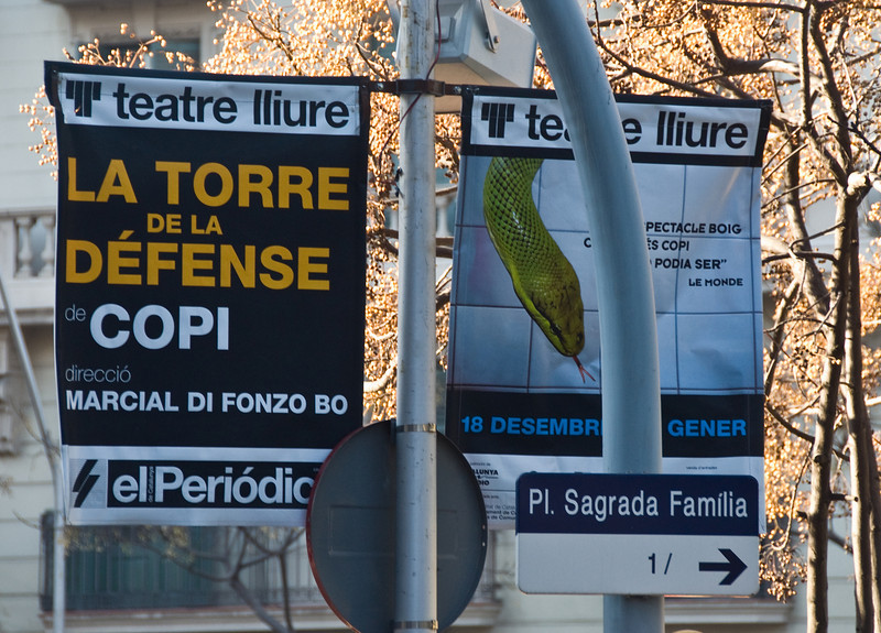 Street signs in Barcelona. (Dec 14, 2007, 11:15am)
