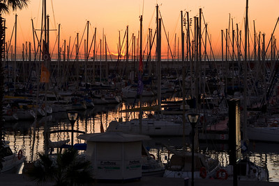 Sunrise over the marine in Barcelona. (Dec 12, 2007, 08:08am)