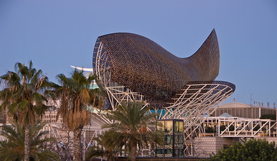 Fish sculpture on top of the buildings next to the Hotel Arts in Barcelona. (Dec 12, 2007, 07:46am)
