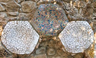Tiles inPark Güell, along a wall next to Gaudi's house. (Dec 14, 2007, 10:08am)