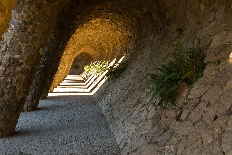 Tunnel area in Park Güell. (Dec 14, 2007, 10:46am)