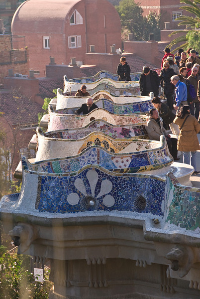 Seating area in the center of Park Güell. (Dec 14, 2007, 10:19am)