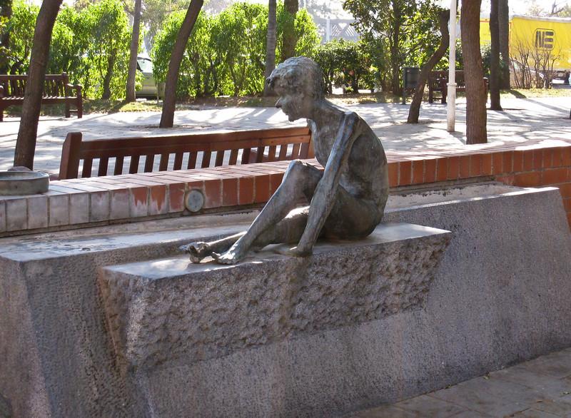 Status in a park in Barcelona. (Dec 13, 2007, 11:51am)