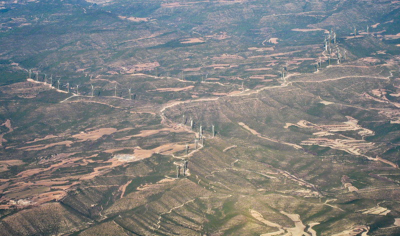 Wind farm seen from the air, on the way to Barcelona. (Dec 10, 2007, 02:23pm)
