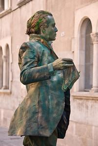Close-up of living statue. (Dec 11, 2007, 12:13pm)