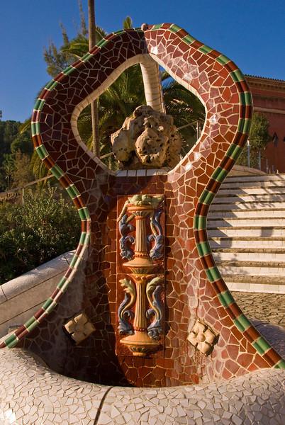 Tiled sculpture at the entrance of Park Güell. (Dec 14, 2007, 10:41am)
