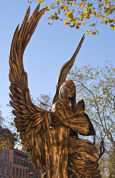 Angel living statue. (Dec 11, 2007, 11:31am)