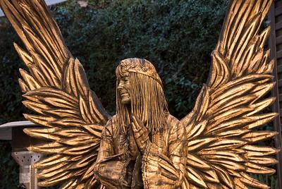 Angel living statue. (Dec 11, 2007, 12:16pm)