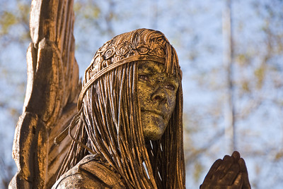 Angel living statue, close-up of face. (Dec 11, 2007, 11:32am)