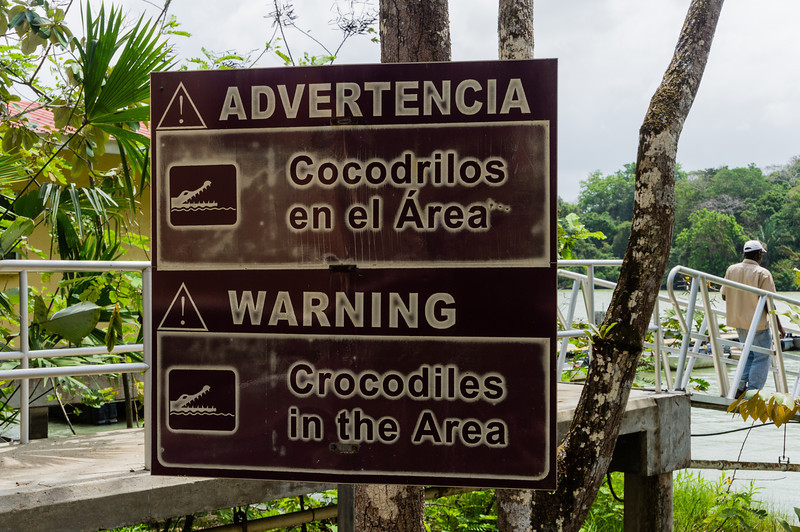 Warning Sign<br /> This warning sign was seen at the Smithsonian Tropical Research Institute on Barro Colorado Island.