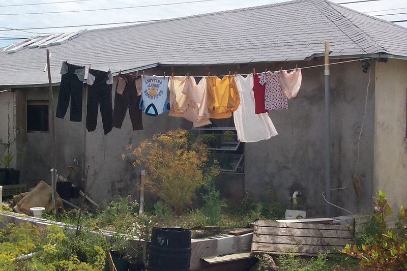 <b>Laundry in Gregory Town</b>   (Apr 16, 2000, 03:29pm)
