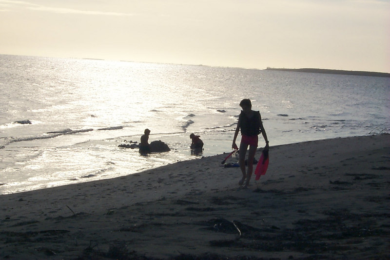 <b>End of Day at Goulding Cay Beach</b>   (Apr 16, 2000, 06:16pm)