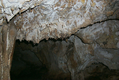 Decending Into Cave   (Apr 16, 2000, 01:35pm)