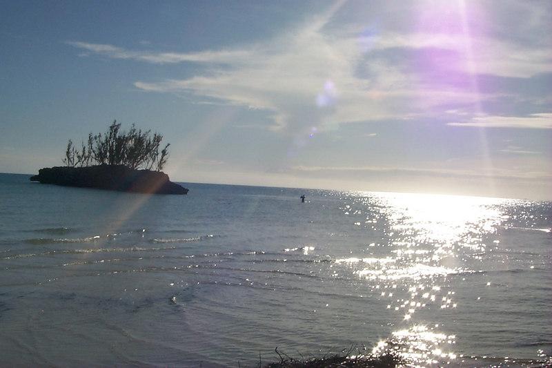 <b>C-- near Goulding Cay</b>   (Apr 16, 2000, 05:46pm)