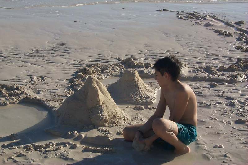 <b>Ben Works on Sand Structures</b>   (Apr 16, 2000, 05:48pm)