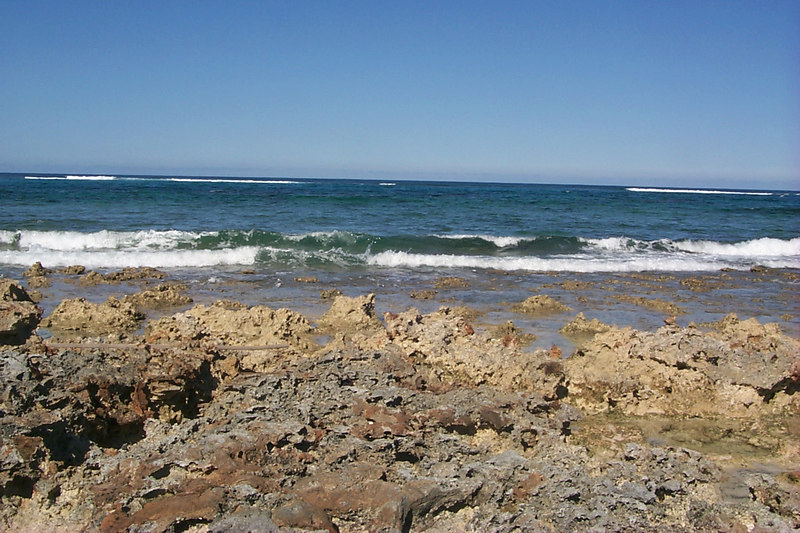 <b>Coral Rocks on Twin Beach Peninsula</b>   (Apr 17, 2000, 04:17pm)