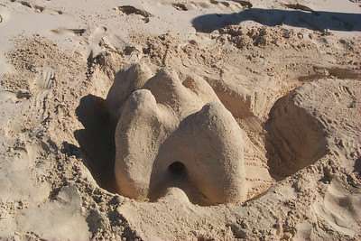 Daphnes Sand Castle   (Apr 17, 2000, 04:44pm)