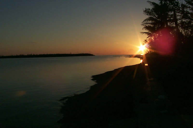 <b>Sunset from Shore in Front of House</b>   (Apr 17, 2000, 07:20pm)