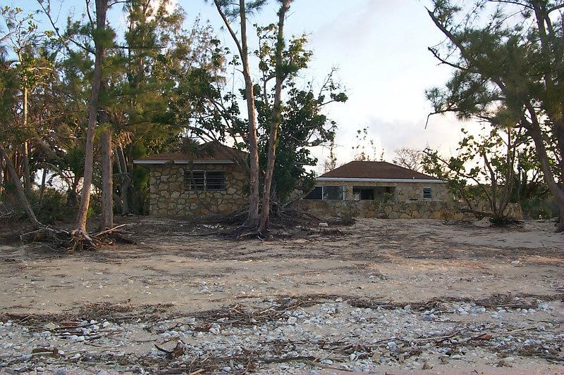<b>House Next Door To Balara Manor</b>   (Apr 18, 2000, 07:12am)