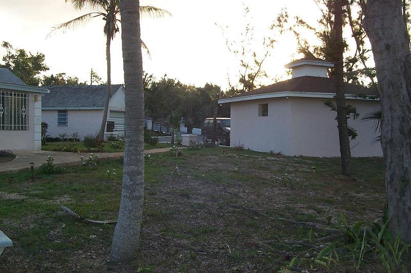 <b>Balara Manor Garages</b>   (Apr 18, 2000, 07:09am)