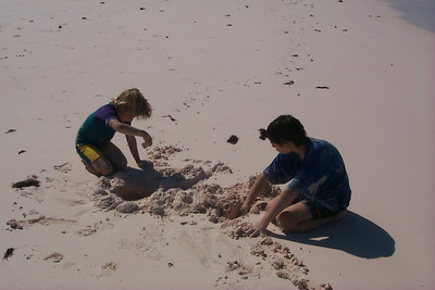 Amos and Ben Digging in Sand   (Apr 19, 2000, 03:58pm)