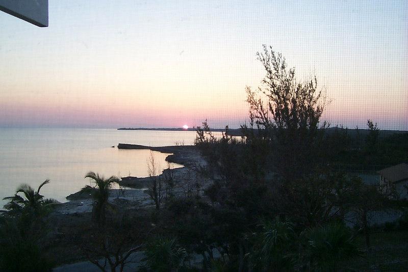 <b>Sunset</b>   (Apr 19, 2000, 07:29pm)