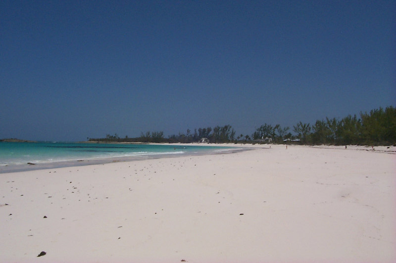 <b>Looking Southeast down Club Med Beach</b>   (Apr 19, 2000, 02:34pm)