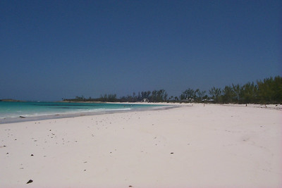 Looking Southeast down Club Med Beach   (Apr 19, 2000, 02:34pm)