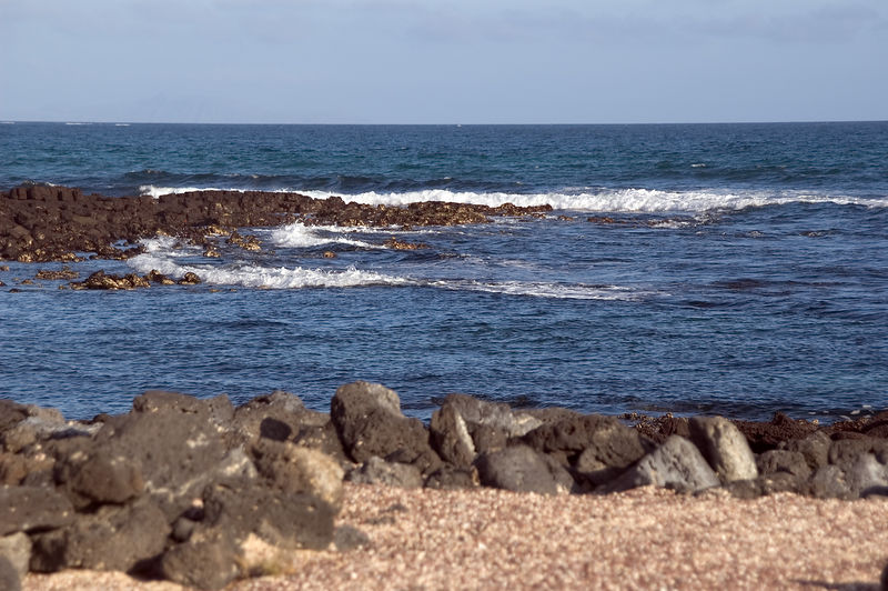 <b>Surf crashing at eastern end of Tortuga Bay</b>   (Dec 09, 2005, 04:39pm)